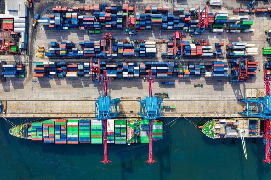 Perdagangan merupakan salah satu upaya untuk meningkatkan pertumbuhan ekonomi di suatu wilayah