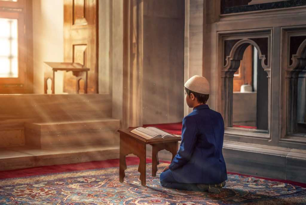 Aspek religius merupakan nilai yang melekat dan memegang peranan penting bagi bangsa Indonesia