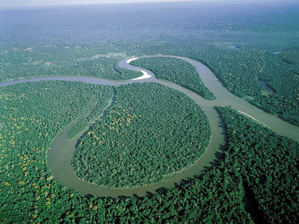 Sungai Amazon merupakan sungai Terbesar di dunia, namun hanya panjangnya masih kalah oleh sungai Nil