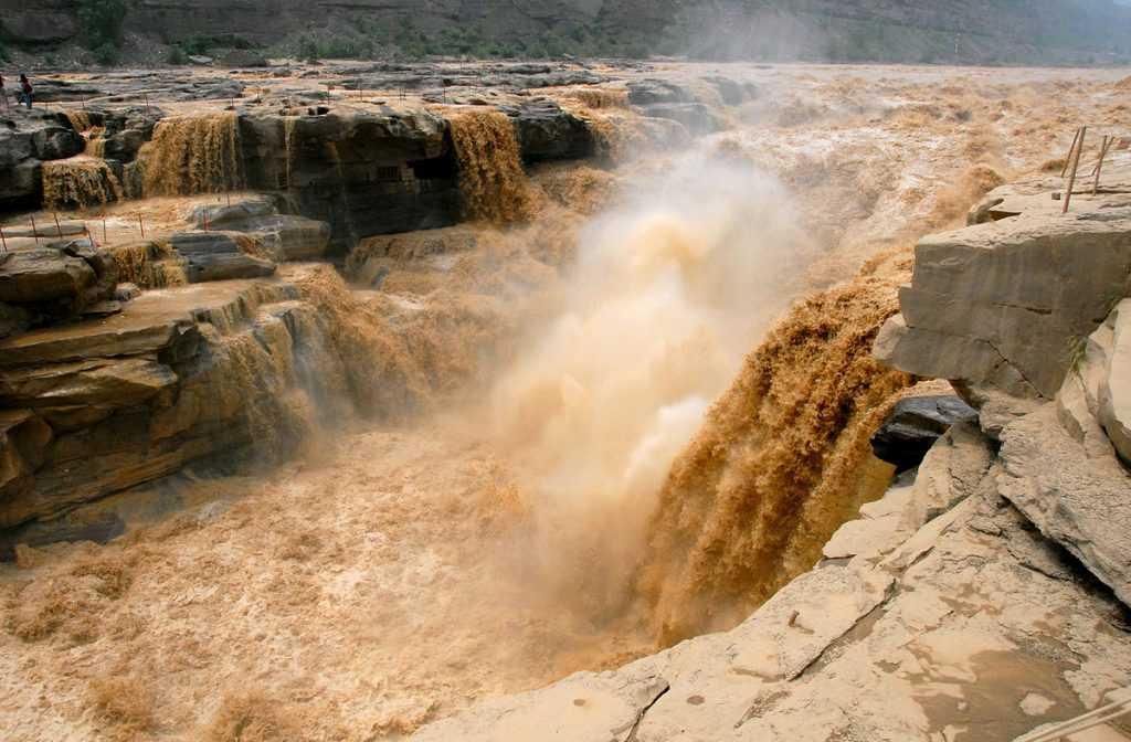 Sungai Kuning berwarna kuning keruh karena mengandung banyak sekali sedimen