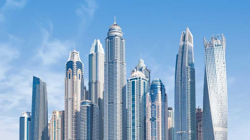 UAE sedang mencoba mendiversifikasi perekonomiannya agar tidak bergantung pada minyak dan gas alam