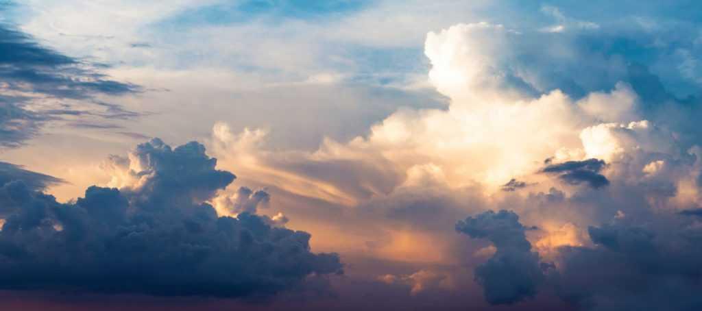 Reaksi kimia yang terjadi pada SO2 di atmosfer dapat berlangsung dengan lebih cepat jika terdapat awan yang banyak