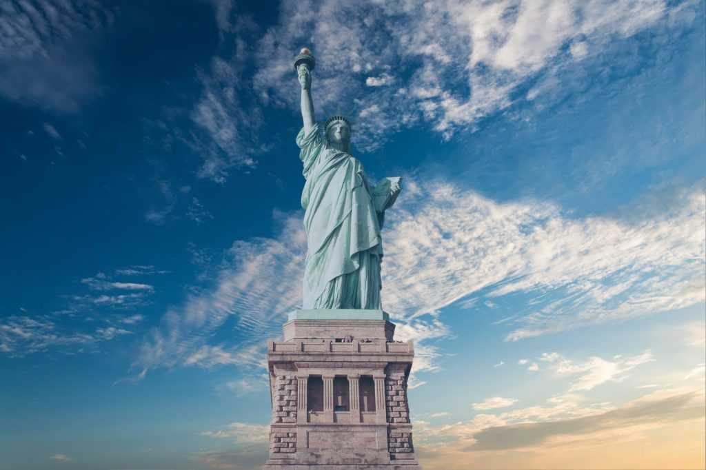 Amerika sebagai salah satu negara adidaya di dunia menjadi pelopor penyebaran ideologi demokrasi