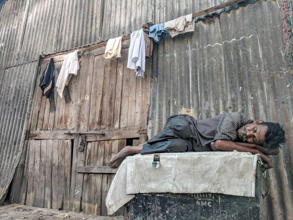 Masih banyak saudara kita yang belum mendapatkan keadilan sosial di negara Indonesia