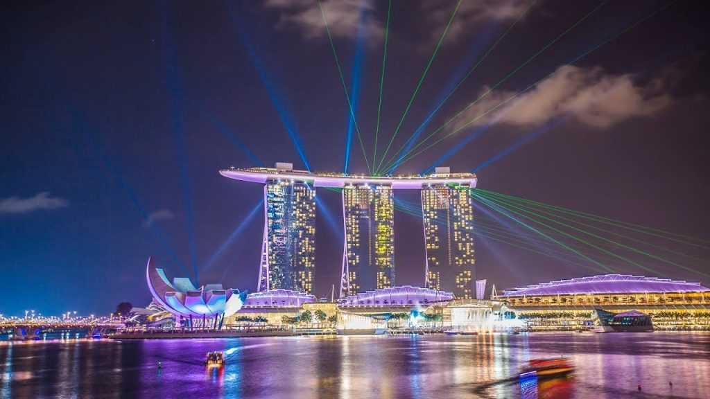 Singapura merupakan negara terkaya ke 3 di dunia