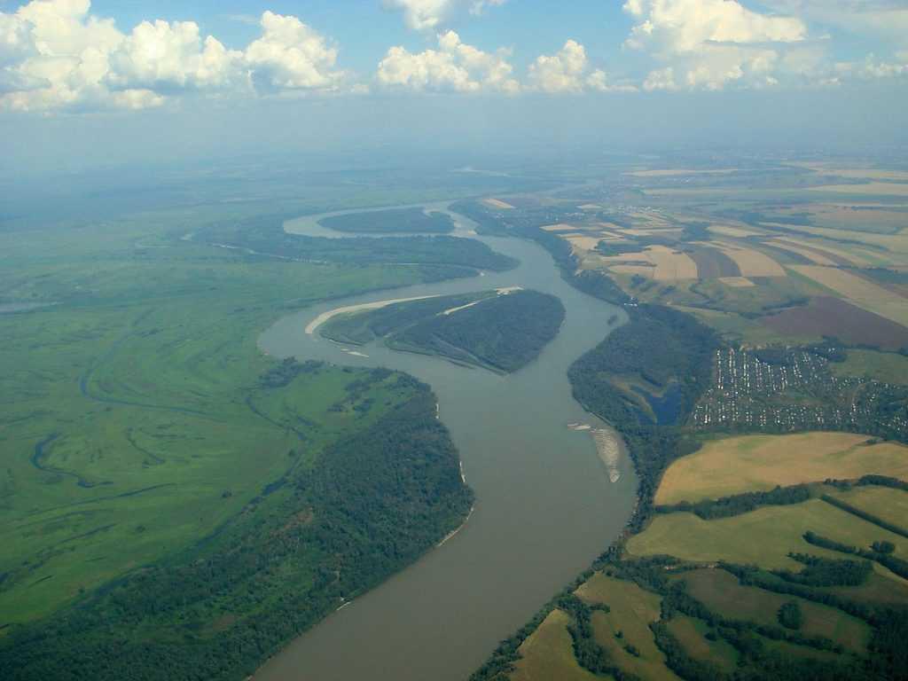 Sungai Ob-Irtysh mengalami pembekuan selama hampir 6 bulan setiap tahunnya