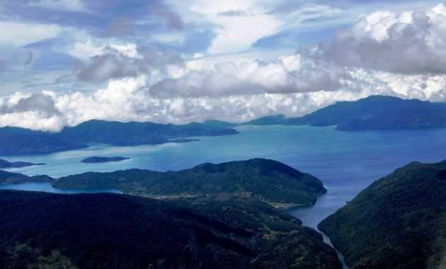 Danau Paniai adalah danau terbesar ke 6 di Indonesia
