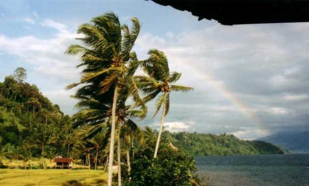 Danau Ranau Merupakan danau Terbesar ke 7 di Indonesia