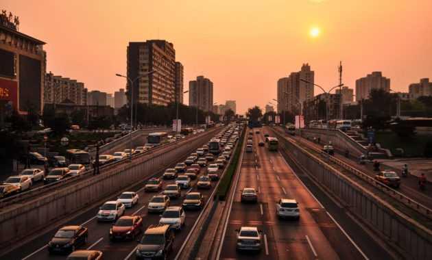 Ketaatan akan lalu lintas merupakan salah satu kewajiban warga negara