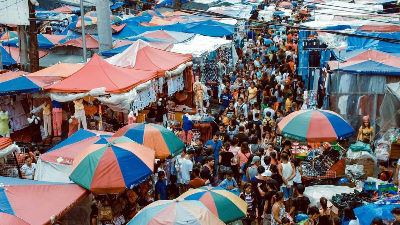 Sarana dan prasarana dalam kegiatan jual beli di Pasar