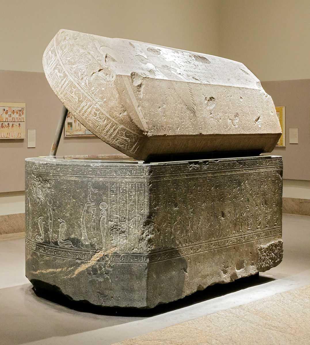 Zaman Megalitikum Adalah Zaman Ketika Manusia Purba Menggunakan Peralatan Batu Besar