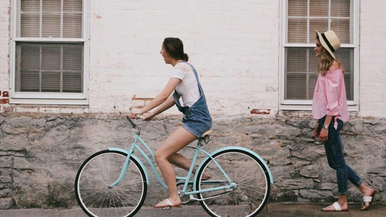 Contoh paragraf campuran tentang bersepeda
